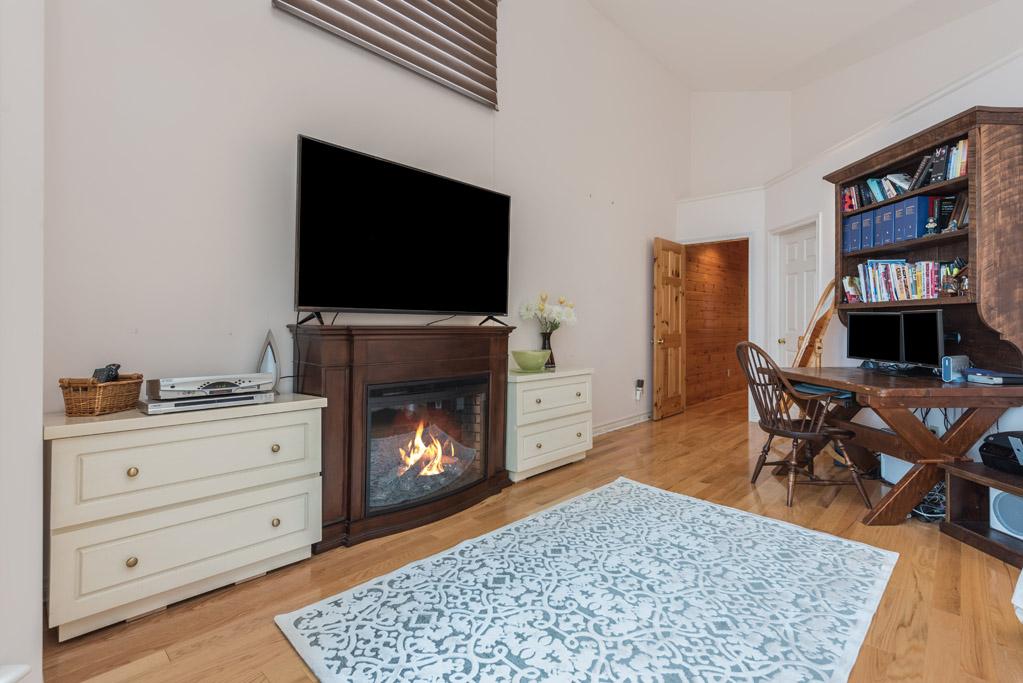 Avalon | All-Season Luxury Cottage on Lake Simcoe